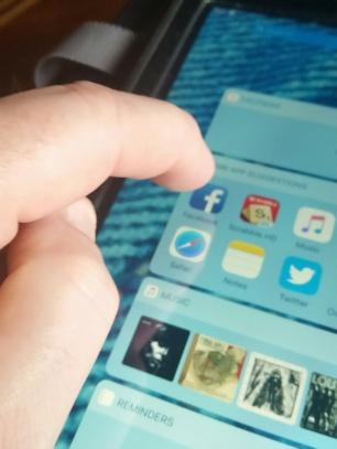fingerFBiPad